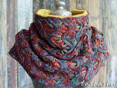 Knitted Cowl Chameleon pattern by Svetlana Gordon | malabrigo mechita in Arco Iris and Indiecita