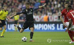 호날두, UEFA 대회 최초 100호골