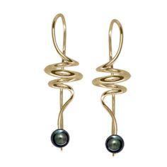 14k Gold Gem Andante Earrings With Black Pearl