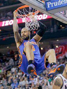 tyson chandler how you light up my life. Basketball Legends, Sports Basketball, Basketball Court, Nba Europe, Tyson Chandler, Us Man, New York Knicks, Olympics, Faces