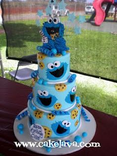 I LOVE this cake! My sons nick name was cookie when he was born after his pretend grandma Cookie. I wish I coulda had this for his first birthday. Previous pinner said: Cookie Monster...wish I had the time to make this today.