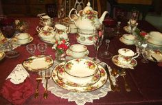Relevant Tea Leaf: Royal Albert China - Old Country Roses -  It sets a beautiful table.
