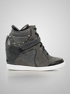 Huxley Wedge Sneakers | GUESS.com