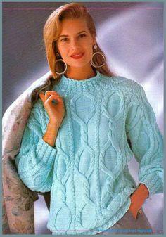Озорные петельки: Светло - голубой пуловер с косами.