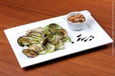 Catanzaro Ristorante _ Hotel Four Points by Sheraton (jantar)    Carpaccio de melanzana e zuchini ao vinagrete de mariscos   Finas fatias de berinjela e abobrinha ao molho de vinagrete de mariscos