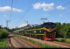 Net Photo: 1104 & 1105 Rovos Rail Class at Irene, Gauteng province, South Africa by Eugene Armer South African Railways, Electric Locomotive, Train Journey, Busses, Landscape Photography, Diesel, Christian, Vehicles, Pictures