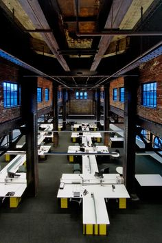 """Can We Make New Office Buildings As Cool As Warehouses?,Cannon Design Regional Offices (St Louis) / Cannon Design. Converted industrial buildings """"are big spaces vertically as well, trading the standard 9-foot (3-meter) ceiling in most office towers for soaring rafters"""". Image © Architectural Imageworks, LLC"""