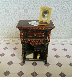Dollhouse furniture. table. Scale 1:12