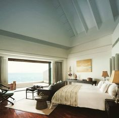 Surround yourself in suite serenity this #weekend. Courtesy of the InterContinental Samui Baan Taling Ngam Resort #InterContinental #SuiteLife Hotels-live.com via https://www.instagram.com/p/BBJGX3aRn6F/