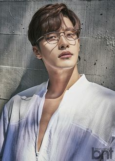 """Sung Hoon, star of the latest OCN drama hit """"My Secret Romance"""", took a picture . - Sung Hoon, star of the recent OCN drama hit """"My Secret Romance"""", recently took a picture for BNT Ma -"""