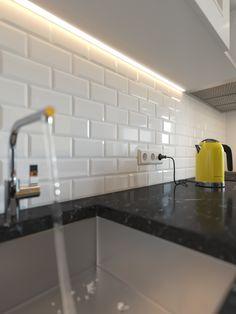 Визуализация кухни для холостяка - Галерея 3ddd.ru Kitchen Island, Kitchen Cabinets, Ideas Para, Pakistani, Home Decor, Food, Kitchens, Restaining Kitchen Cabinets, Homemade Home Decor