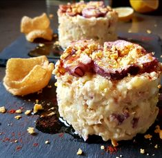 Ensaladilla de pulpo con mayonesa al pimentón de la Vera. Una bruja en la c Atıştırmalıklar No Cook Appetizers, Appetizer Recipes, Snack Recipes, Snacks, Crockpot Recipes, Keto Recipes, Cooking Recipes, Octopus Recipes, Le Pilates