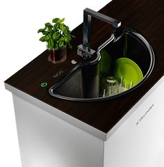 We all want our home to have enough space and so the Eco Automatic Sink for Electrolux is designed. The eco automatic is a space saver to your kitchen sink. The sink works double as your dishwasher. Kitchen Sink Sizes, Small Kitchen Sink, Space Saving Kitchen, Small Kitchens, Micro Kitchen, Kitchen Modern, Sink Design, Kitchen Design, Kitchen Ideas