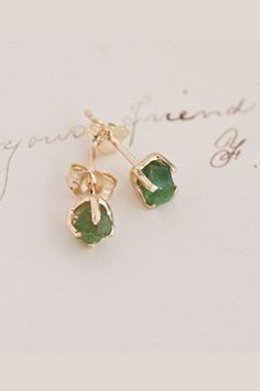 12 earrings to make your holiday outfit!
