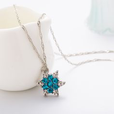 2016 Charm Vintage lady Blue Crystal Snowflake Zircon Flower Silver Necklaces & Pendants Jewelry for Women Free Shipping