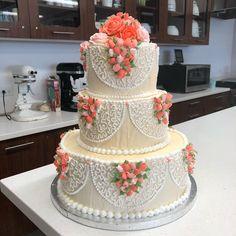 Wedding Day Wedding Planner Your Big Day Weddings Wedding Dresses Wedding bells Elegant Wedding Cakes, Cool Wedding Cakes, Beautiful Wedding Cakes, Beautiful Cakes, Amazing Cakes, Dragon Wedding, Mini Dessert Recipes, Quinceanera Cakes, Engagement Cakes
