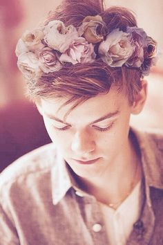 Thomas Brodie-Sangster || only he could pull off the flower headband look even though he's a guy.