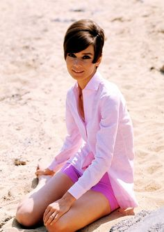 "The actress Audrey Hepburn photographed by Pierluigi Praturlon on the beach in Saint-Tropez (France), during a break in the filming of her new movie ""Two for the Road"", in June Audrey was wearing: Divas, Vintage Hollywood, Vintage Vogue, Audrey Hepburn Mode, Aubrey Hepburn, Look Retro, My Fair Lady, Classy Women, Her Style"