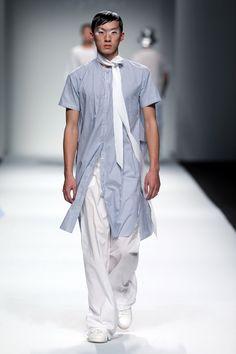 May Hsu Ready To Wear Spring Summer 2017 Shanghai - NOWFASHION