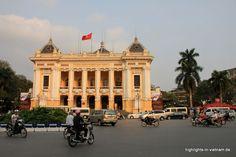 das Opernhaus von Hanoi / the old opera in #Hanoi #Vietnam built in old french colonial style