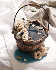 "457 Likes, 20 Comments - ivy_cake_ (@ivy_cake_) on Instagram: ""너무 이쁘다 . . #buttercreamflower #koreanbuttercreamflowers #flowercake #cakestagram #cake…"""