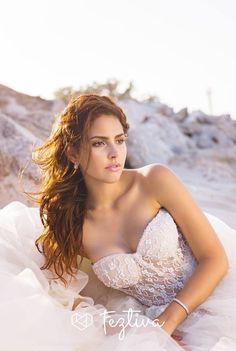 Edición 44, Revista Feztiva, Moda: Love is in the air, Fotografía: Ricardo López, Vestidos: Diego Cerón, Accesorios: Esther Omaña, Maquillaje y peinado: Bella Imagem Salón, Ramo: Raw Estudio Floral, Vídeo: Wilbert Ruiz, Modelo: Yaris Chaidez  #Bodas #Weddings #Yucatán #México #Fashion  #Magazine #Revista #BrideFashion #Feztiva #Beach #BeachFashion #BeachWedding #BodaEnLaPlaya