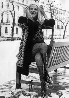 È morta l'attrice Virna Lisi. Aveva 78 anni. Con sei Nastri d'argento condivide con Margherita Buy il record di premi vinti nella manifestazione organizzata dal Sindacato Nazionale Giornalisti