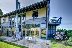 Kirkland, WA Industrial Modern Home