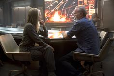 New Stills From 'Mockingjay Part 1' -Behind the scenes with Julianne Moore and Francis Lawrence: http://www.panempropaganda.com/movie-countdown/2014/10/21/new-stills-from-mockingjay-part-1.html/