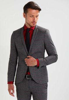 Viggo. PERONI SKINNY FIT - Costume - grey. Informations additionnelles:épaulettes. Col:col revers. Composition:63% polyester, 34% viscose, 3% elasthanne. Fermeture:boutons,Braguette avec fermeture éclair dissimulée. Longueur intérieure de j... Skinny Fit, Suit Jacket, Breast, Blazer, Costumes, Grey, Fitness, Jackets, Fashion