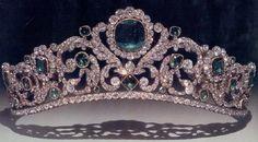 tiara de esmeraldas Angouleme                                                                                                                                                                                 Más