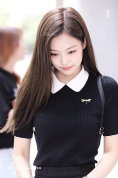Your source of news on YG's biggest girl group, BLACKPINK! Please do not edit or remove the logo of any fantakens posted here. Blackpink Fashion, Korean Fashion, Fashion Outfits, Blackpink Jennie, Kim Jisoo, Blackpink Photos, Ulzzang Girl, South Korean Girls, Girl Crushes