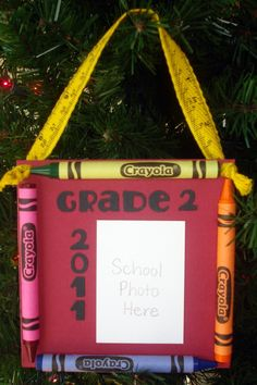 Yearly ornament to do at home or at school