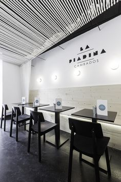 """The main dish are """"The Piadina"""", a popular recipe from Italy that we can import to Spain , the ice cream and beer. The place was divided in two spaces one for the ice cream area and the other for coffee shop, the last is focused in a long term stay. Cool Restaurant, Restaurant Branding, Restaurant Design, Seafood Restaurant, Coffee Shop Design, Cafe Design, Commercial Interior Design, Commercial Interiors, Interior Minimalista"""