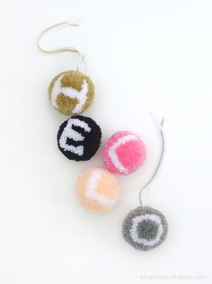 Wait until you see these fun tutorials I found.Pom-tastic!...