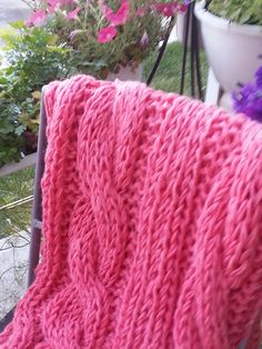 Free Pattern: Fast Knit Super Chunky Throw by Melissa Jobagy