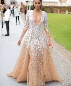 Model Chanel Iman is best dressed in a white and tan Zuhair Murad's Spring 2015 Couture collection gown. See the look here. Long Sleeve Evening Dresses, Prom Dresses Long With Sleeves, Nice Dresses, Formal Dresses, Wedding Dresses, African Wedding Dress, Formal Prom, Plus Size Prom Dresses, Dresses 2016