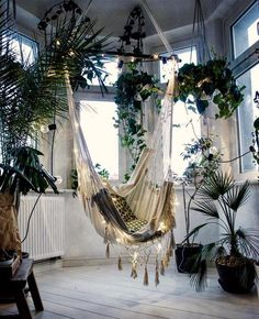 Reading Nooks for Nature Lovers Looking for some bookish decor inspiration? Check out this cozy hammock swing!Looking for some bookish decor inspiration? Check out this cozy hammock swing! Hammock Swing, Hammocks, Hammock Ideas, Indoor Swing, Indoor Hammock Chair, Balcony Swing, Chair Swing, Backyard Hammock, Outdoor Hammock