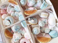 Baby Shower Cupcakes, Boy Or Girl, Desserts, Food, Tailgate Desserts, Deserts, Essen, Postres, Meals