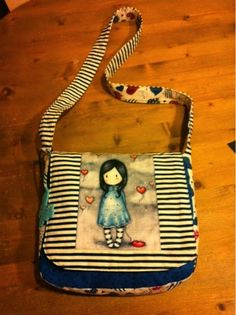 entre2telas Coin Couture, Diy Purse, Cute Bags, Cute Dolls, Easy Diy Projects, Sewing Hacks, Purses And Bags, Pouch, Bagan