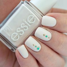 nailart @Paulinadata using Essie's Fiji nail polish / lacquer: gold studs  + turqouise, glitter-framed dots