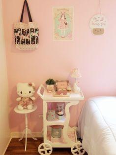 How can i make my bedroom kawaii?