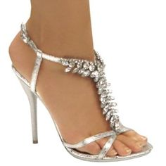 Love these...they would look good with my dress I think!