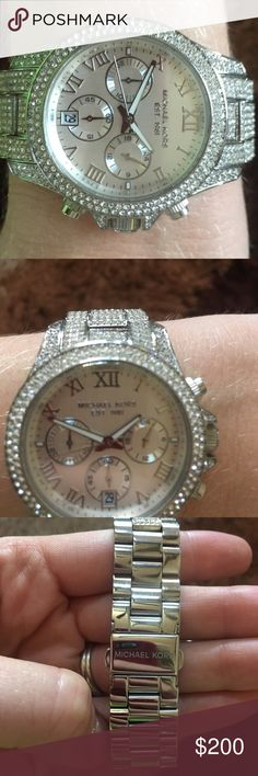Gorgeous Michael Kors watch! Beautiful Michael Kors watch I received as a gift. I wore it twice. Pristine condition. Original size. Michael Kors Accessories Watches