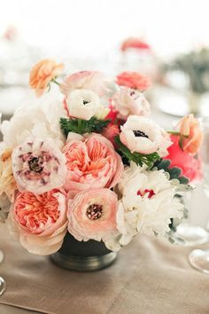 salmon peach coral white wedding centrepiece flowers brides of adelaide magazine