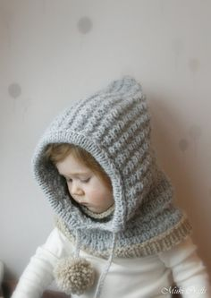 This is a knitting pattern for hooded cowl Jordan with inner cowl. The hood has a nice simple texture pattern that is knitted first in round and later flat, decorated with two big pom-poms. Perfect gift for yourself or for a little one. Poncho Knitting Patterns, Knitting Stitches, Knit Patterns, Knit Headband Pattern, Knitted Headband, Knitted Hats, Pattern Baby, Hood Pattern, Stitch Crochet