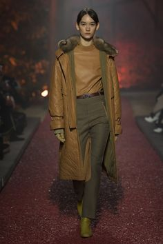 Hermes Fall-winter 2018-2019 - Ready-to-Wear   Casual   Chic ... 35e92ad67fa