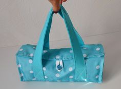 Risultati immagini per tutorial cabas reversibles Couture Sewing, Tote Purse, Diaper Bag, Sewing Projects, Satchel, Purses, Crochet, Handmade, Photo Instagram