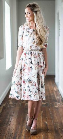 Easton Cream Floral Dress Kleidung, Mode Für Den Kirchgang, Kirchen Kleider,  Bescheidene Kleider a6511889ad