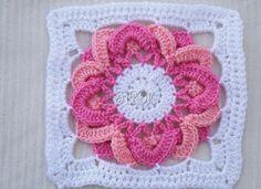Ivelise Feito à Mão: Square Em Crochê Lindo E Diferente....Beautiful afghan square or motif with 2 colors for the petals in the center!